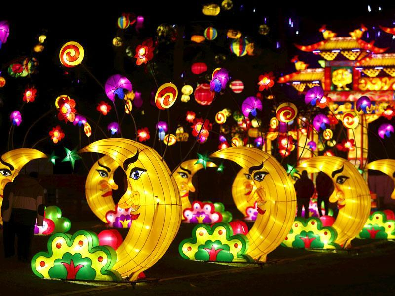 Dandenong Festival of Lights in Australia is a month-long festival put together to celebrate Chinese culture. (Reuters)