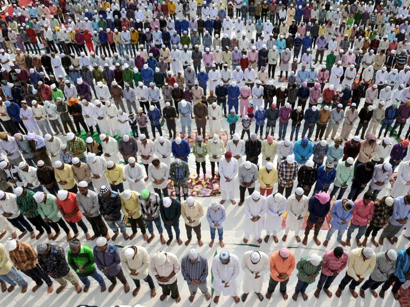 Muslims offering prayers on the occasion of  Eid-ul-Adha in Jalandhar on Friday.  (Pardeep Pandit/HT)