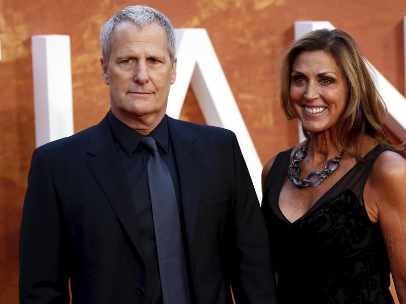 Actor Jeff Daniels and his wife Kathleen arrive for the UK premiere of The Martian at Leicester Square in London. (REUTERS)