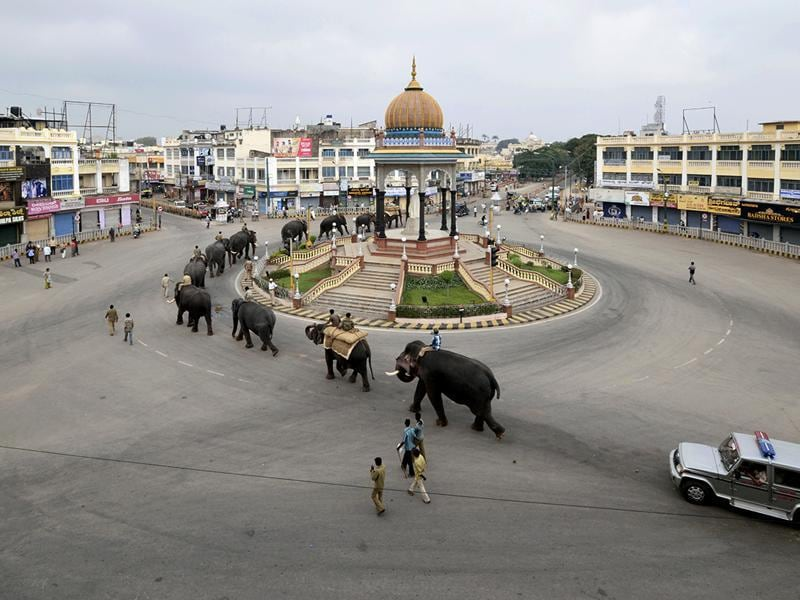 Mysore in Karnataka has been named the cleanest city in the Swachh Bharat rankings. Elephants go around a prominent city landmark - the K.R. Circle.  (Pavan Kumar KJ/HT Photo)