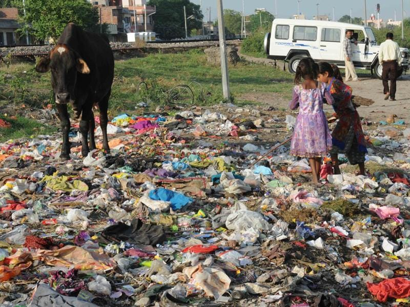 An open Garbage dump at the backside  of the Patiala Railway Station is yet another example of how the Swachh Bharat Mission failed to leave a mark.  (Bharat Bhushan/HT)