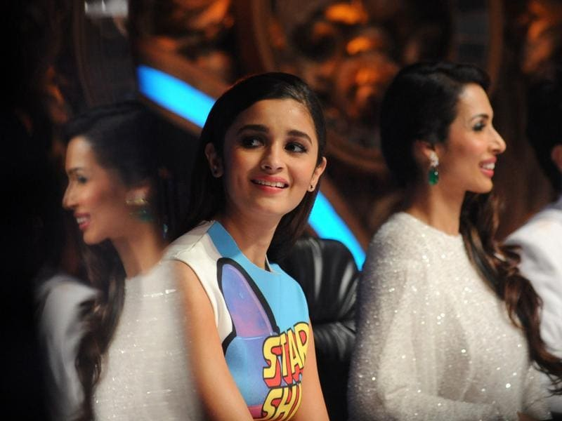 Alia Bhatt and Malaika Arora Khan enjoying the show. Alia was there to promote her upcoming movie Shandaar. (AFP)