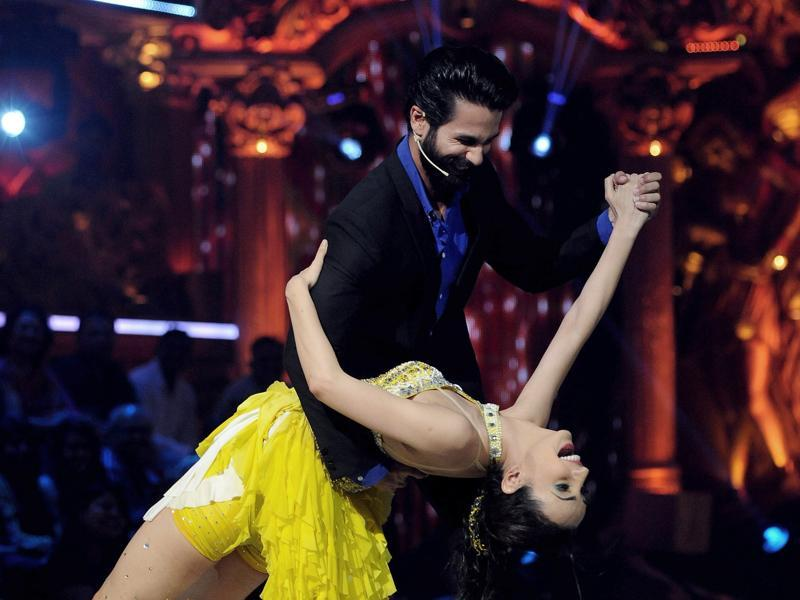 Shahid Kapoor performs with Sanaya Irani during the Super Finale of Jhalak Dikhhla Jaa Reloaded on the set in Mumbai on Wednesday night. (AFP)