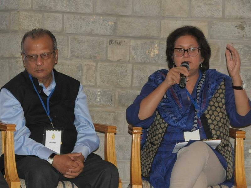 Namrita Gokhele(right) and Ashok Dilwali (left) during the Khuswant Singh Lit Fest in Kasauli.  (KeshaV Singh/HT  )
