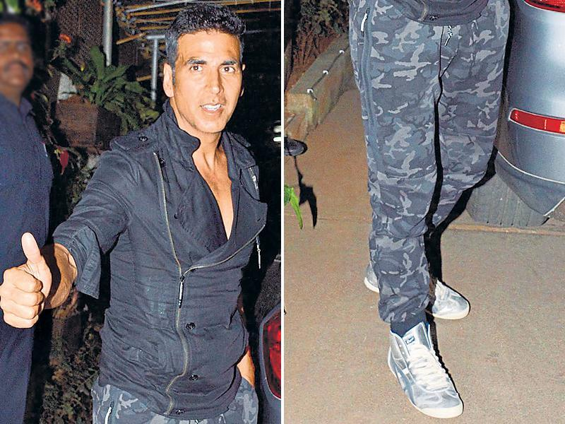 Actor Akshay Kumar sporting blingy shoes. (YOGEN SHAH/HT)