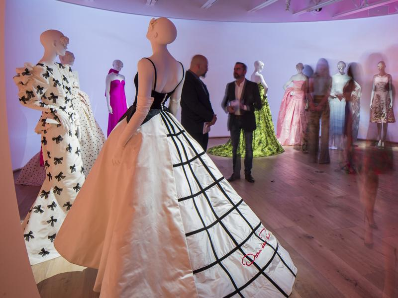 A black-and-white gown with a criss-cross design on the back designed by Oscar de la Renta for Sarah Jessica Parker is on display at the Savannah College of Art and Design. (AP)