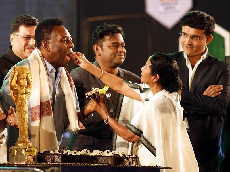 Pele's 75th birthday being celebrated ten days in advance in the presence of West Bengal Chief Minister Mamta Banerjee, Oscar winning Indian composer AR Rahaman and former Indian cricketer and Atletico De Kolkata's Co-owner, Sourav Ganguly. (Ashok Nath Dey/ HT photo)