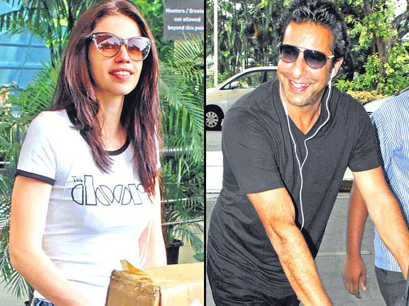 Kalki Koechlin and Wasim Akram spotted at Mumbai Airport. (Shakti Yadav/Yogen shah)