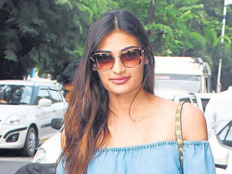 Athiya Shetty spotted wearing a chambray top. (Yogen Shah)