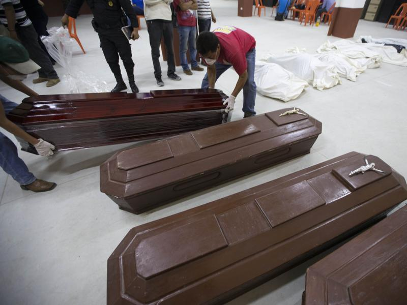 Family members have reported 100 people missing, but the number could be as high as 600 based on at least 100 homes in the area of the slide, said Alejandro Maldonado, executive secretary of Conred, the country's emergency disaster agency.  (AP Photo)