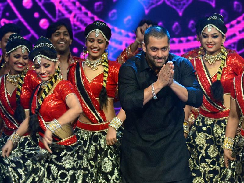 Salman Khan performs in Mumbai .  (AFP)
