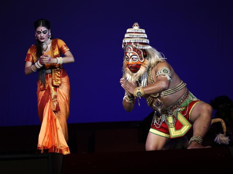 Hanuman  meets  Sita  at  Ashok vatika  : Scene from the  Ramlila  held at the Shriram Bharatiya Kala Kendra in New Delhi  (Ajay Aggarwal/HT Photo)
