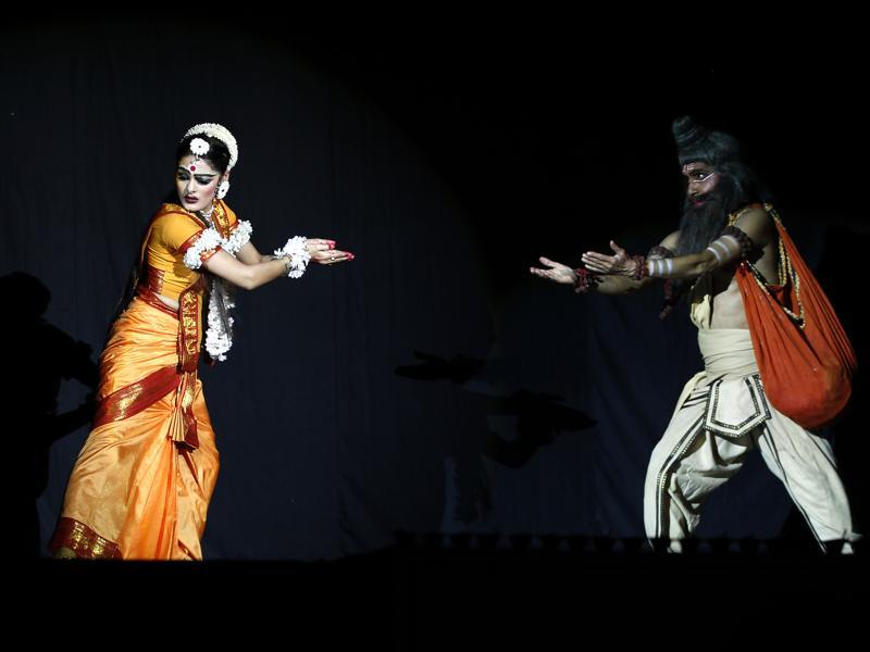 Sita Haran  scene from  the  Ramlila held at  the Shriram Bharatiya Kala Kendra in New Delhi  (Ajay Aggarwal/HT Photo)