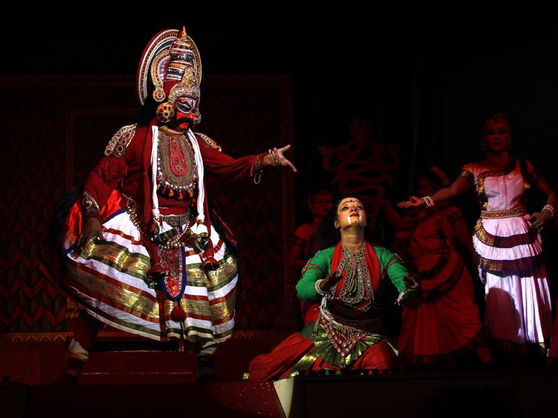Surpanakha at Lanka : Scene from  Ramlila  held at  the Shriram Bharatiya Kala Kendra in New Delhi (Ajay Aggarwal/HT Photo)