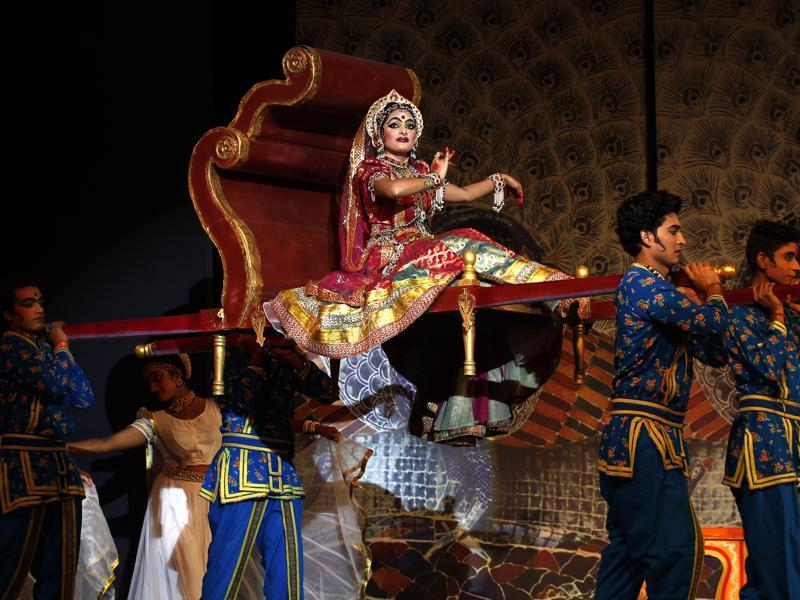 Sita Swayamvar : Scene from the Ramlila  held at  the Shriram Bharatiya Kala Kendra in New Delhi. (Ajay Aggarwal/HT Photo)