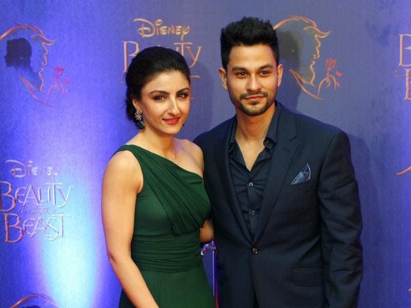 Actor couple Soha Ali Khan and Kunal Khemu arrive to attend the premiere. (Solaris Images)