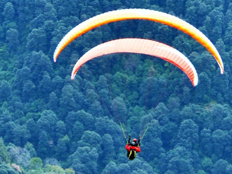 This is the first Paragliding World Cup to be held not only in India but South Asia. (Shyam Sharma/HT )