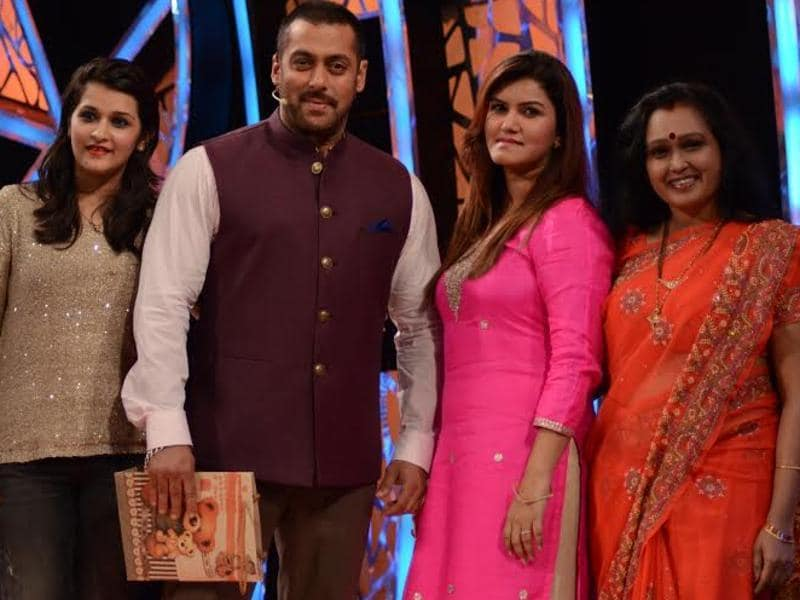 Diganagana's mom, Suyyash's and Prince's sisters were invited to Bigg Boss on October 25 to see their family members and justify their behaviour inside the house. (COLORS TV)