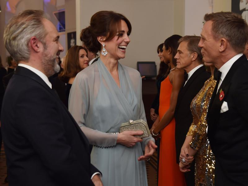 Britain's Catherine, Duchess of Cambridge (C) meets British actor Daniel Craig (R) at the world premiere of the new James Bond film Spectre. (AFP)