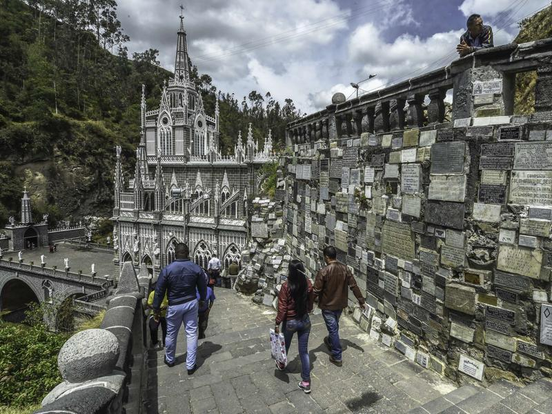 Pilgrims visit the sanctuary of Our Lady of the Rosary of Las Lajas in Colombia on October 22, 2015. (AFP)