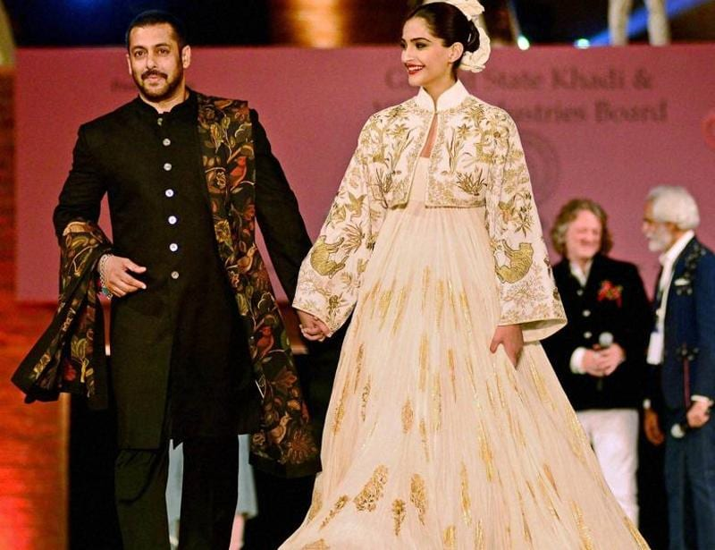 The fashion show aimed at promoting the use of'khadi'. (PTI)