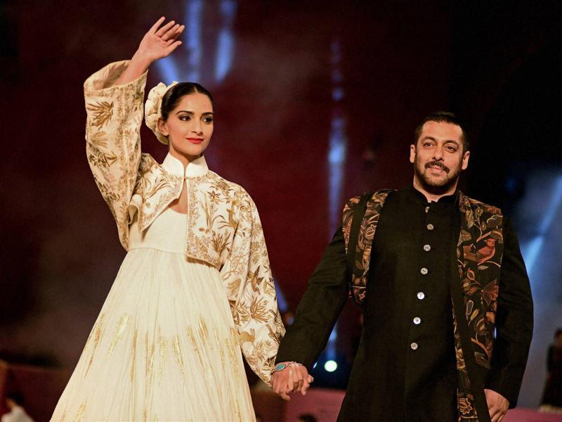 Salman Khan and Sonam Kapoor at a fashion show by Fashion Design Council of India at IIM, Ahmedabad. (PTI)