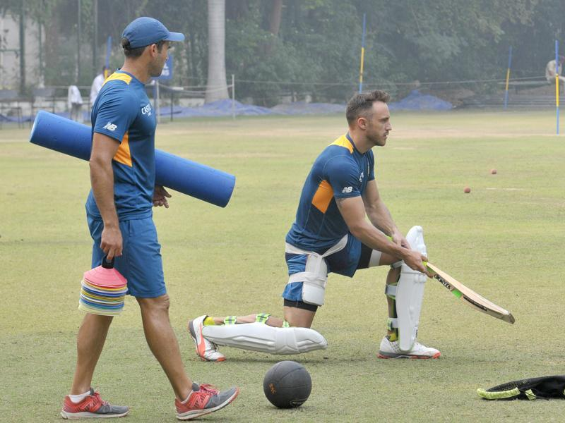 Faf Du Plessis of South Africa practising his strokes at the PCA stadium in  Mohali on Monday.  (Gurpreet Singh/HT)