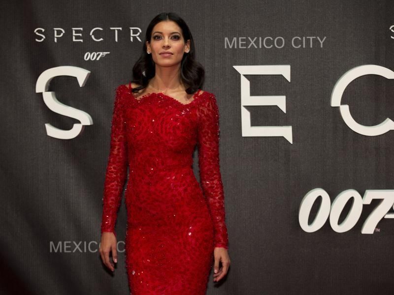 Actor Stephanie Sigman dazzles the shutterbugs at the premiere of the latest James Bond film, Spectre,  in Mexico City. (AP)