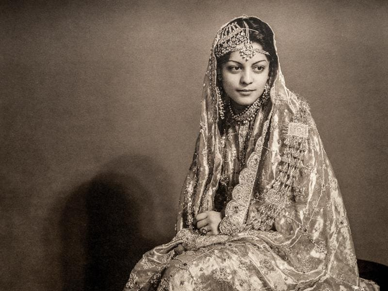 Nawab Begum Sajida Sultan of Bhopal, also Begum of Pataudi. KL Syed & Co., c. 1938-1940. She was the last Begum of Bhopal; she was also the Begum of Pataudi by marriage. With this photograph, you can see the newer lighting techniques coming into play. Light and shadow began to be used prominently to produce visual effects in photographs.  (Photos courtesy: MAP/Tasveer)