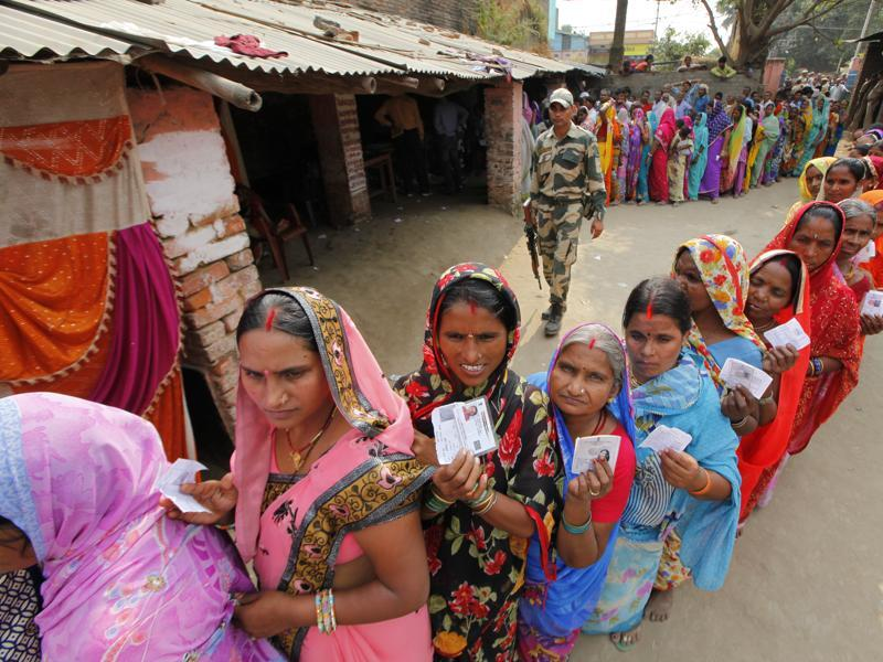 Women have emerged as a vote bank in this Bihar election, with both the BJP and JD(U) vying closely for their votes. (Arvind Yadav/ HT Photo)