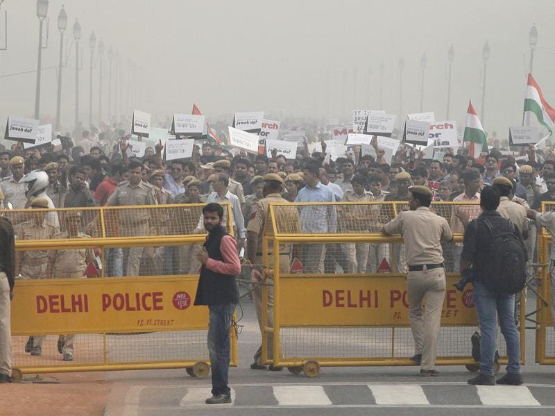 Members of the public taking part in the protest march from India Gate to the Rashtrapati Bhavan to protest against the voices being raised over