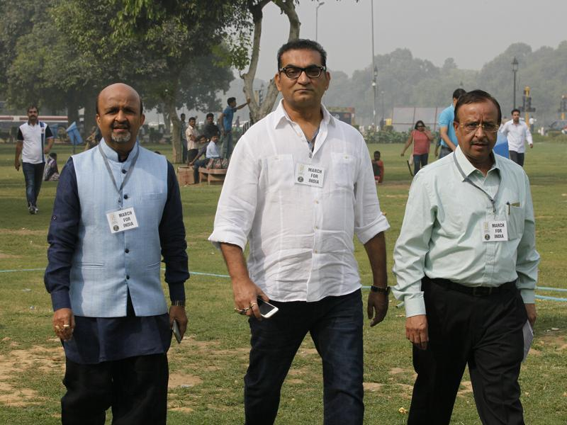 Many filmmakers and artistes from the fraternity including singer Abhijeet Bhattacharya joined the march to hand over a memorandum signed by more than 40 personalities. (Raj K Raj/ HT Photo)
