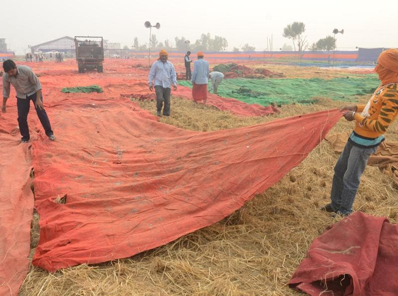 A pandal being prepared for the event at the venue of Sarbat Khalsa on Monday.  (Sameer Sehgal/HT Photo)