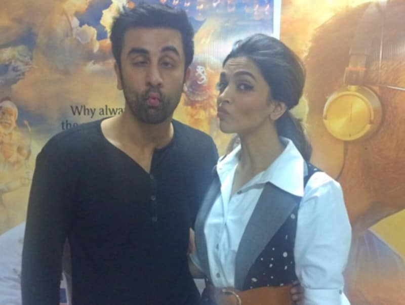 A fish face picture if that's what camera wants. Deepika and Ranbir promote Tamasha.
