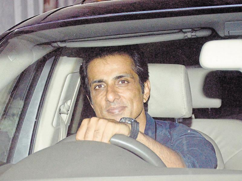 Sonu Sood arrives at Sania's birthday bash. (Photo: Yogen Shah/HT)