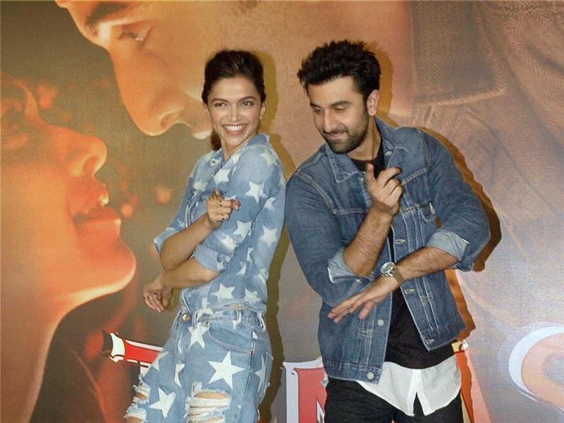 Ranbir Kapoor and Deepika Padukone strike a pose for shutterbugs at the promotional event for Tamasha. (PTI)