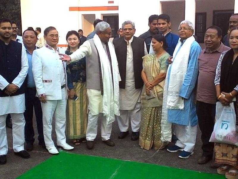 RJD chief Lalu Prasad, his wife Rabri Devi, son and Raghopur MLA Tejashwi, CPI(M) general secretary Sitaram Yechury and other guests during a tea party hosted by Bihar chief minister Nitish Kumar. (Photo courtesy: CM House)