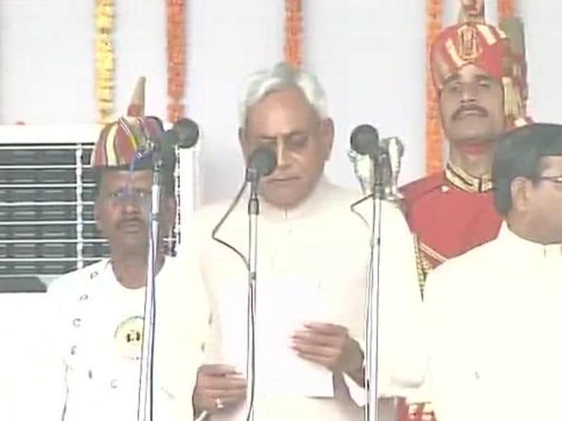 Nitish Kumar takes oath as Bihar chief minister during a ceremony at Gandhi Maidan in Patna.  (ANI Photo)