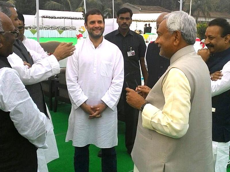 Chief minister Nitish Kumar interacts with Congress vice-president Rahul Gandhi and other leaders after the swearing-in ceremony. (Photo courtesy: CM House)