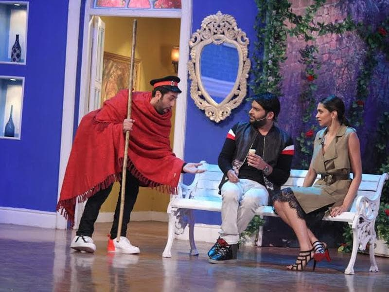 Ranbir Kapoor went role-playing during his visit to the sets of the TV show. (COLORS)
