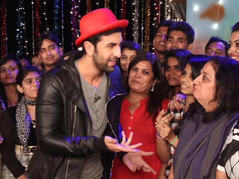 Ranbir Kapoor interacts with fans on the sets of Comedy Nights with Kapil. (COLORS)