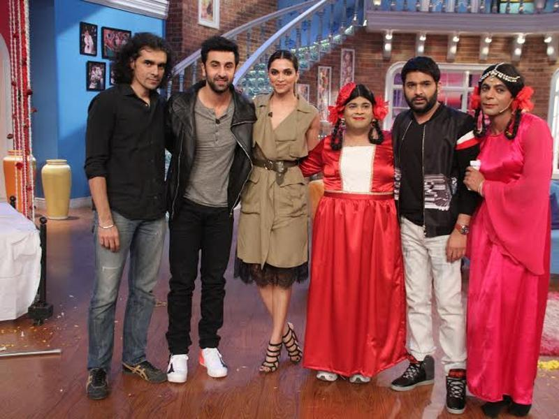 The teams of Tamasha and Comedy Nights with Kapil strike a pose. (COLORS)