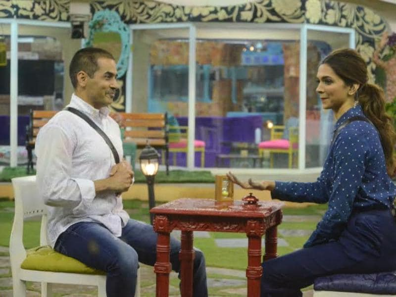 As part of a task, Aman, too, tried to woo Deepika but it was Rishabh who won her heart. (COLORS)