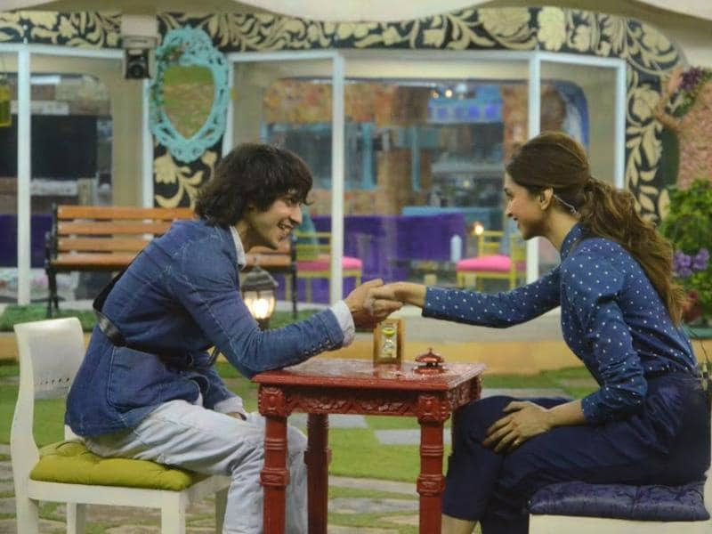 Rishabh won the task of wooing Deepika Padukone on her trip to the house of Bigg Boss 9 and  got a date with the Bollywood actor as the reward. (COLORS)