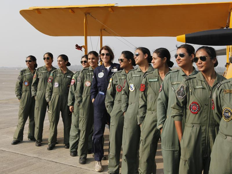 British Pilot Tracey Curtis Taylor here posing with members of the IAF at Hindon Air force Station, in Ghaziabad. (Raj K Raj/ HT Photo)
