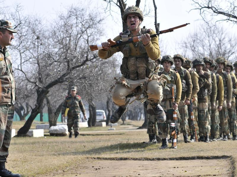Many believe the youths are looking up to the army as a window to a secure future and normal life. (Waseem Andrabi/HT Photo)