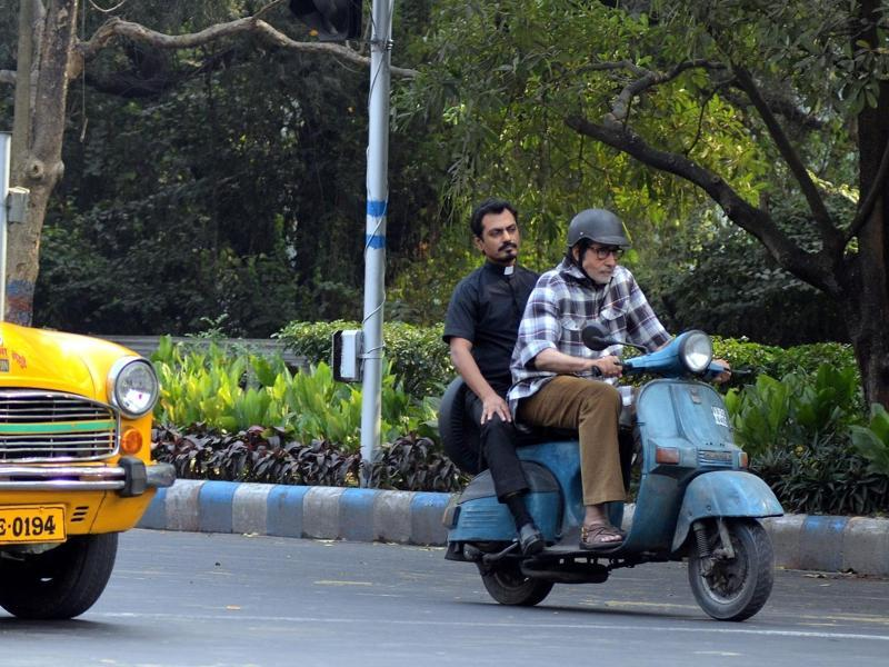 Big B and Siddiqui shooting for their film on the roads of Kolkata. The crew is shooting extensively for the film in various parts of the city.  (IANS)