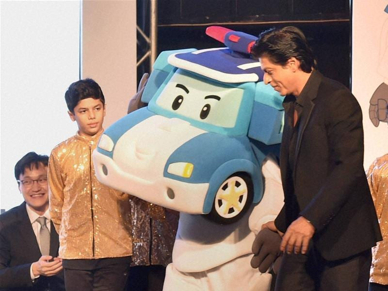 SRK be like: 'Yeah, that's what I do throughout Rohit Shetty's Dilwale, play with cars of course!'  (PTI)