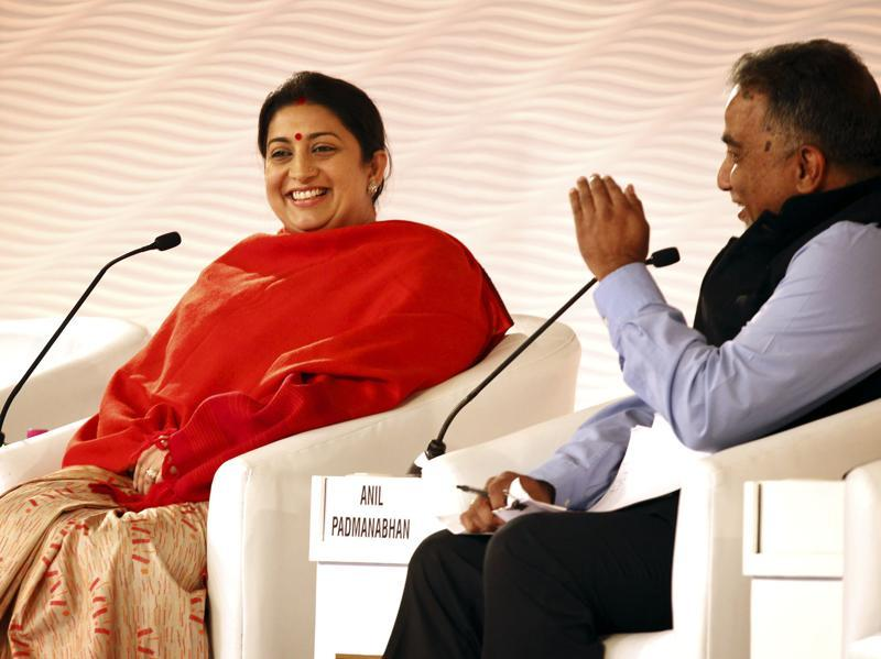 Union minister for human resource development Smriti Irani interacts with Anil Padmanabhan, deputy managing editor,  Mint during Hindustan Times Leadership Summit. (Ajay Aggarwal/HT Photo)