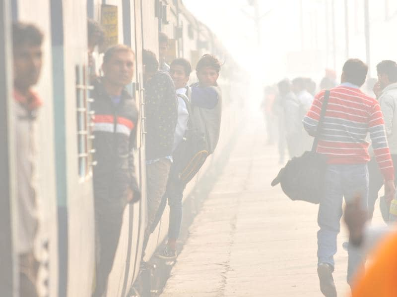 Train schedules in the North are usually disrupted as winters begin in the month of December.  (Pardeep Pandit/HT Photo)
